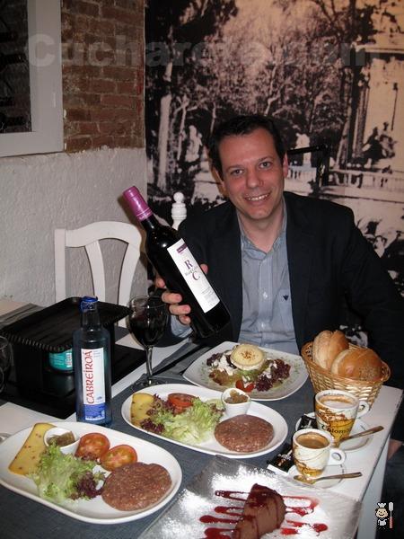 ¡Haz tu hamburguesa! en la nueva Terraza de Verano de Madrid en la Taberna Los Austrias - © Cucharete.com