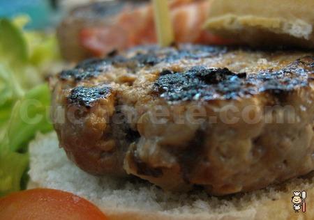 ¡4 Hamburguesas Premium por sólo 10 €/persona! De Kobe, Bisonte, Buey Gallego y Avestruz. ¡Las 4 sólo 10 €! - © Cucharete.com