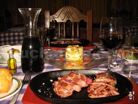 Vinazo Crianza Gratis todos los días de la semana y el Fin de Semana... ¡Menú Exclusivo Cucharete! - © Cucharete.com