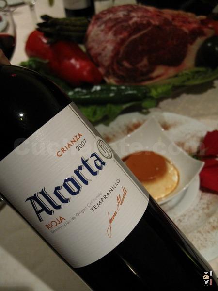 Botella de vino Rioja Crianza y postre totalmente... ¡Gratis! en el Asador Cantespino - © Cucharete.com