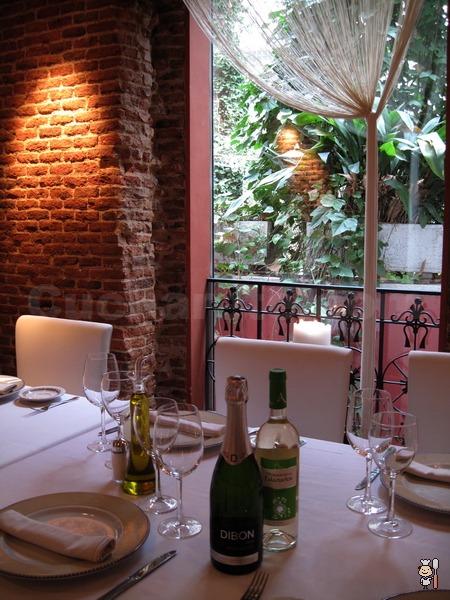 Botella de cava y postre de fresas de lujo totalmente... ¡Gratis! en El Rincón de Goya - © Cucharete.com